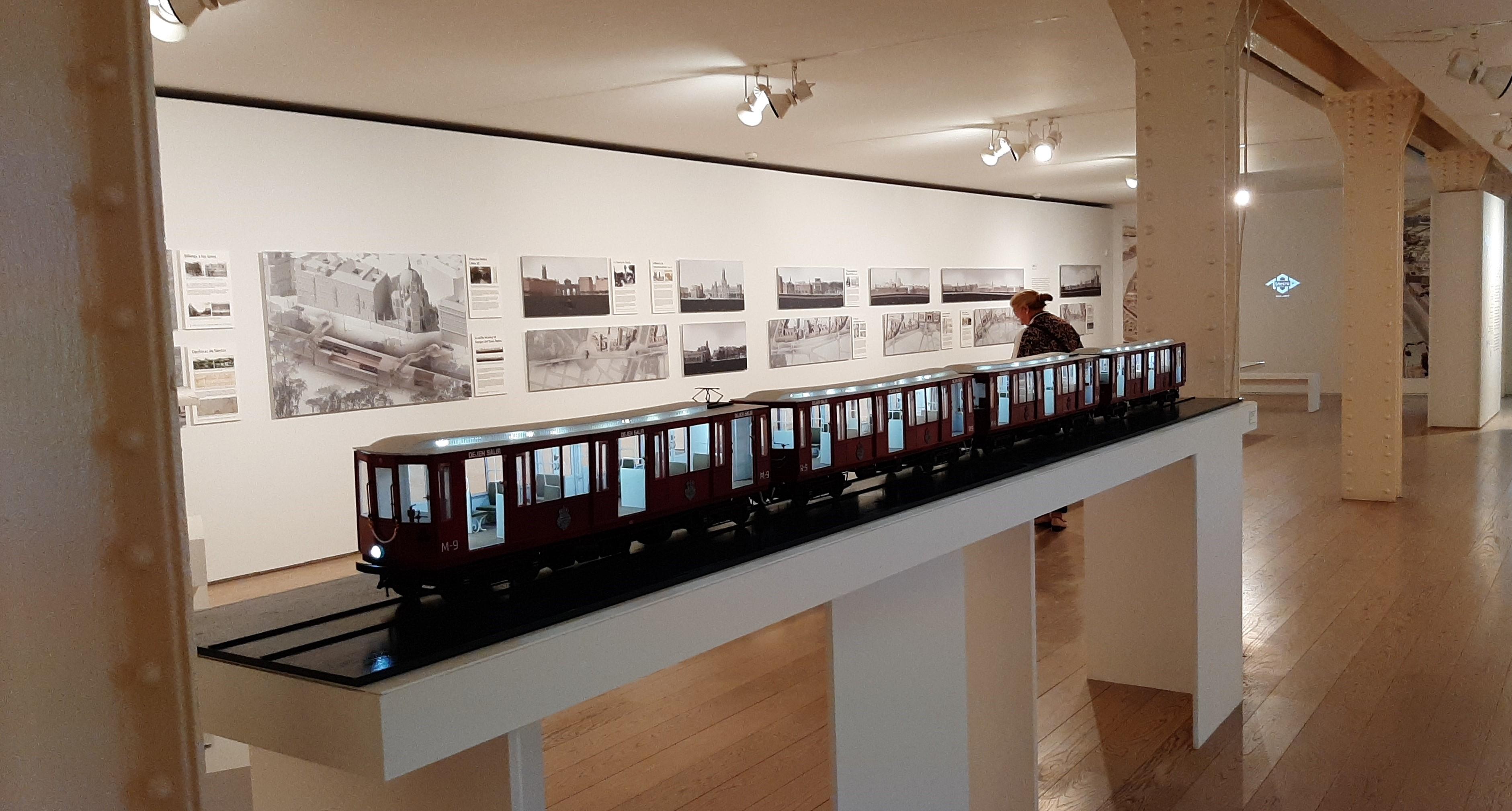Inaugurada la exposición del centenario de Metro Madrid